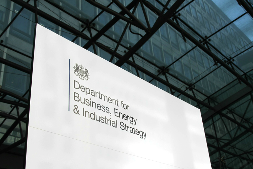 New law to ensure furloughed employees receive full redundancy payments - GOV.UK
