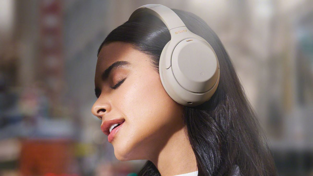Sony WH-1000XM4 vs Sony WF-1000XM3: can the new noise-cancelling headphones beat the class-leading in-ears? - TechRadar UK