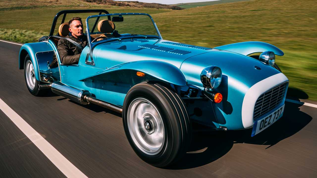 Caterham Super Seven 1600 Arrives Boasting 1970s-Inspired Style - Motor1