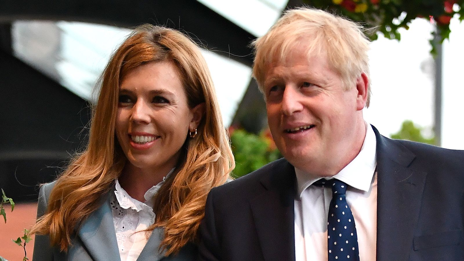 Coronavirus: 'Agony' of Boris Johnson's pregnant fiancee Carrie Symonds as couple kept apart - Sky News