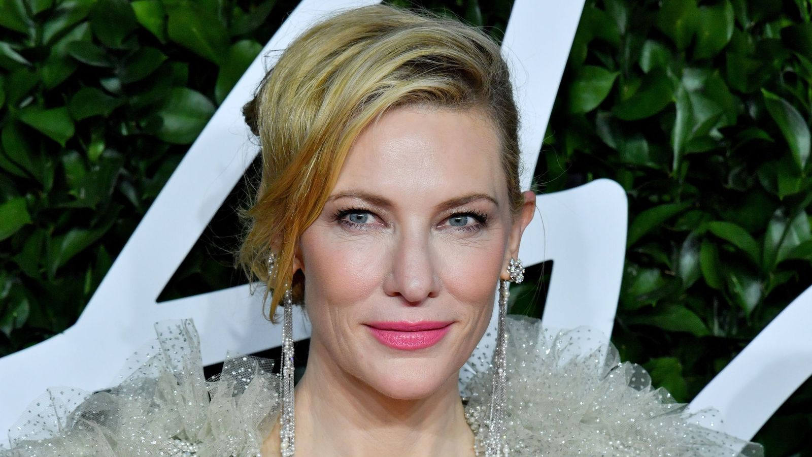 Cate Blanchett 'nicks head' in chainsaw accident during lockdown - Sky News
