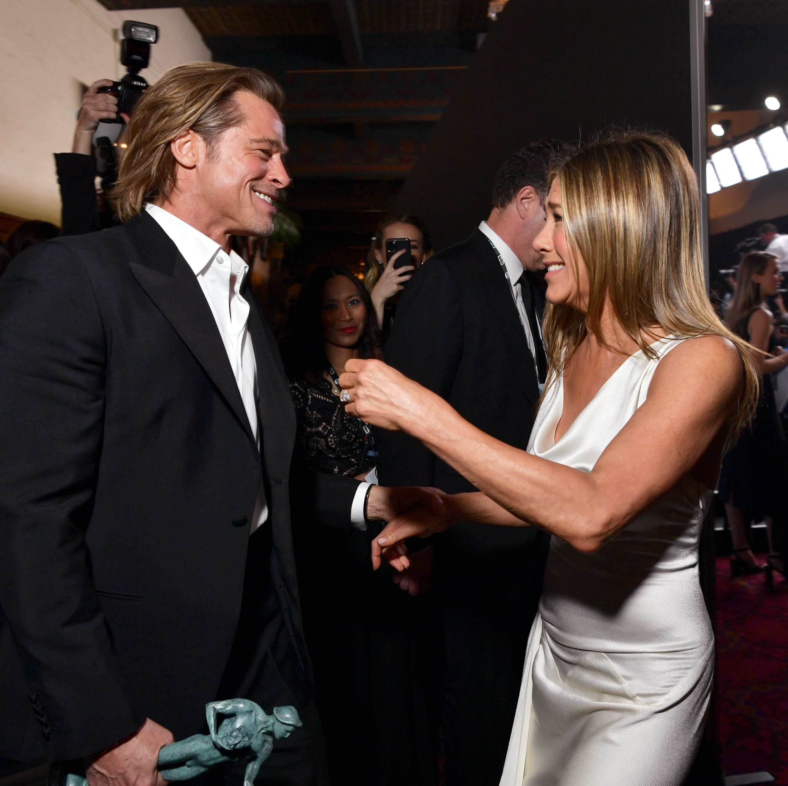 Twitter Is Losing It Over Brad Pitt and Jennifer Aniston's Backstage SAGs Photos - HarpersBAZAAR.com