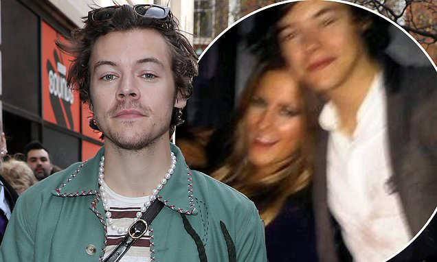Harry Styles to go ahead with BRIT Awards performance - Daily Mail