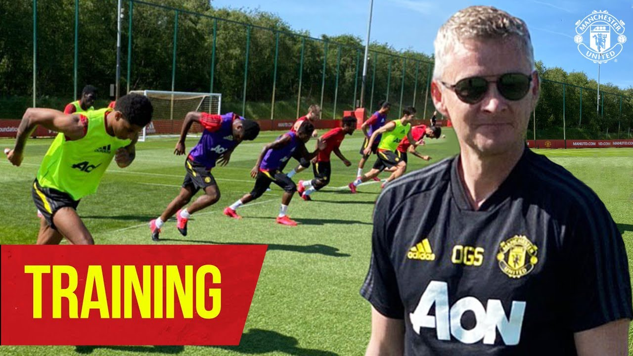 Training | Ole shows he's still got it as United return to contact training | Manchester United - Manchester United