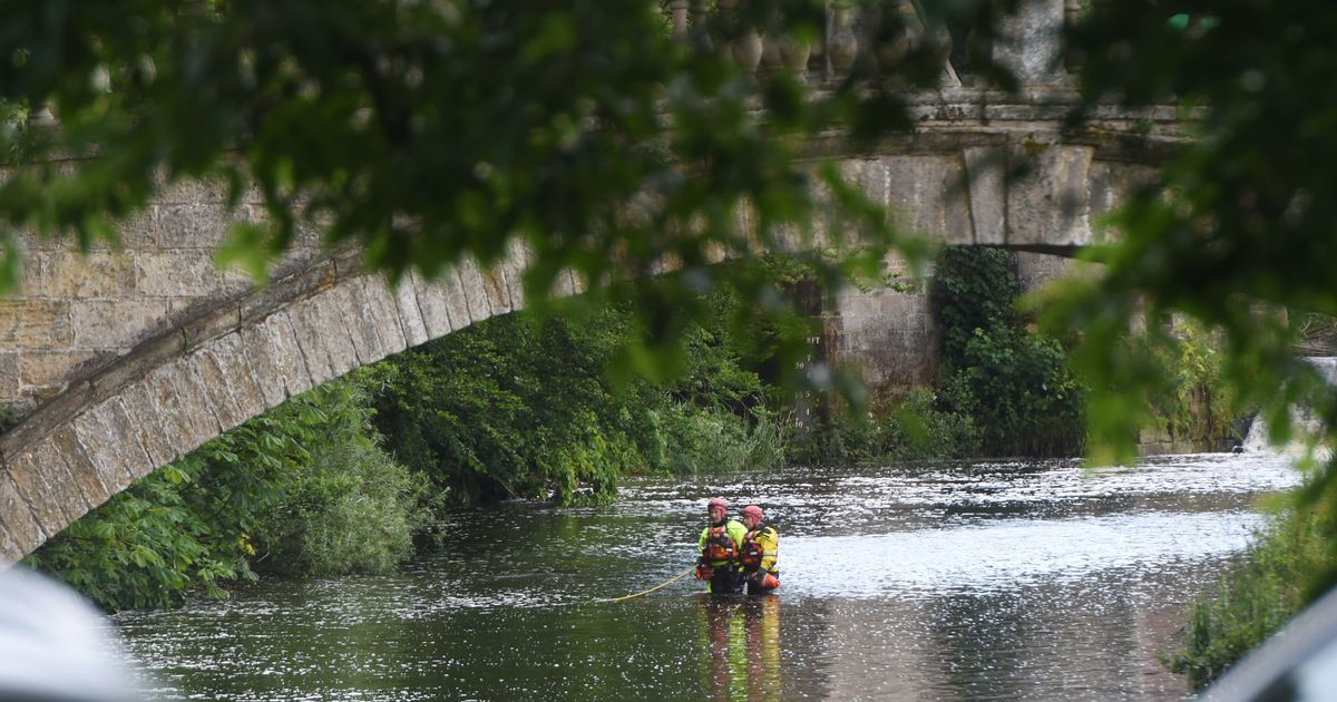 Pollok Park tragedy as police divers recover body of 16-year-old boy from river - Daily Record