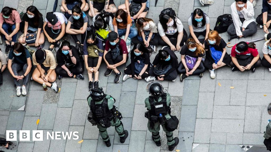 Hong Kong: Boris Johnson urged to form alliance over China security law - BBC News