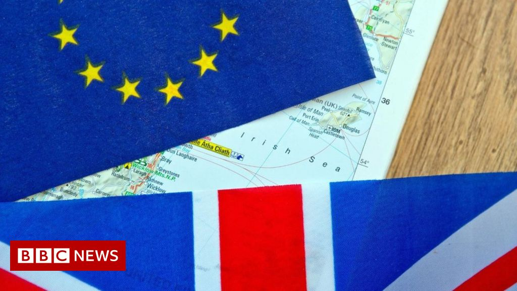 Brexit: NI businesses 'desperately need' sea border detail - BBC News