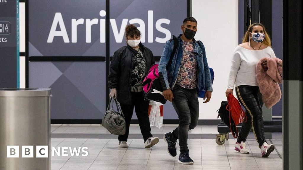 Holiday firms in fresh plea over 2-week flight quarantine plans - BBC News