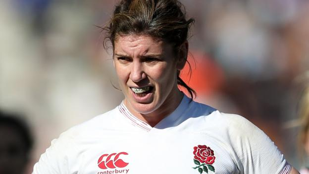 England Women captain Sarah Hunter offers to take pay cut - BBC News