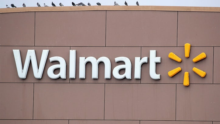 2 Walmart employees in Chicago area die from COVID-19 - FOX 32 Chicago