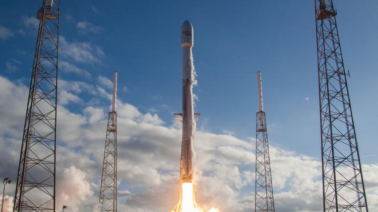 SpaceX wins $7.5M contract for rocket work in C. Fla. - Orlando Business Journal