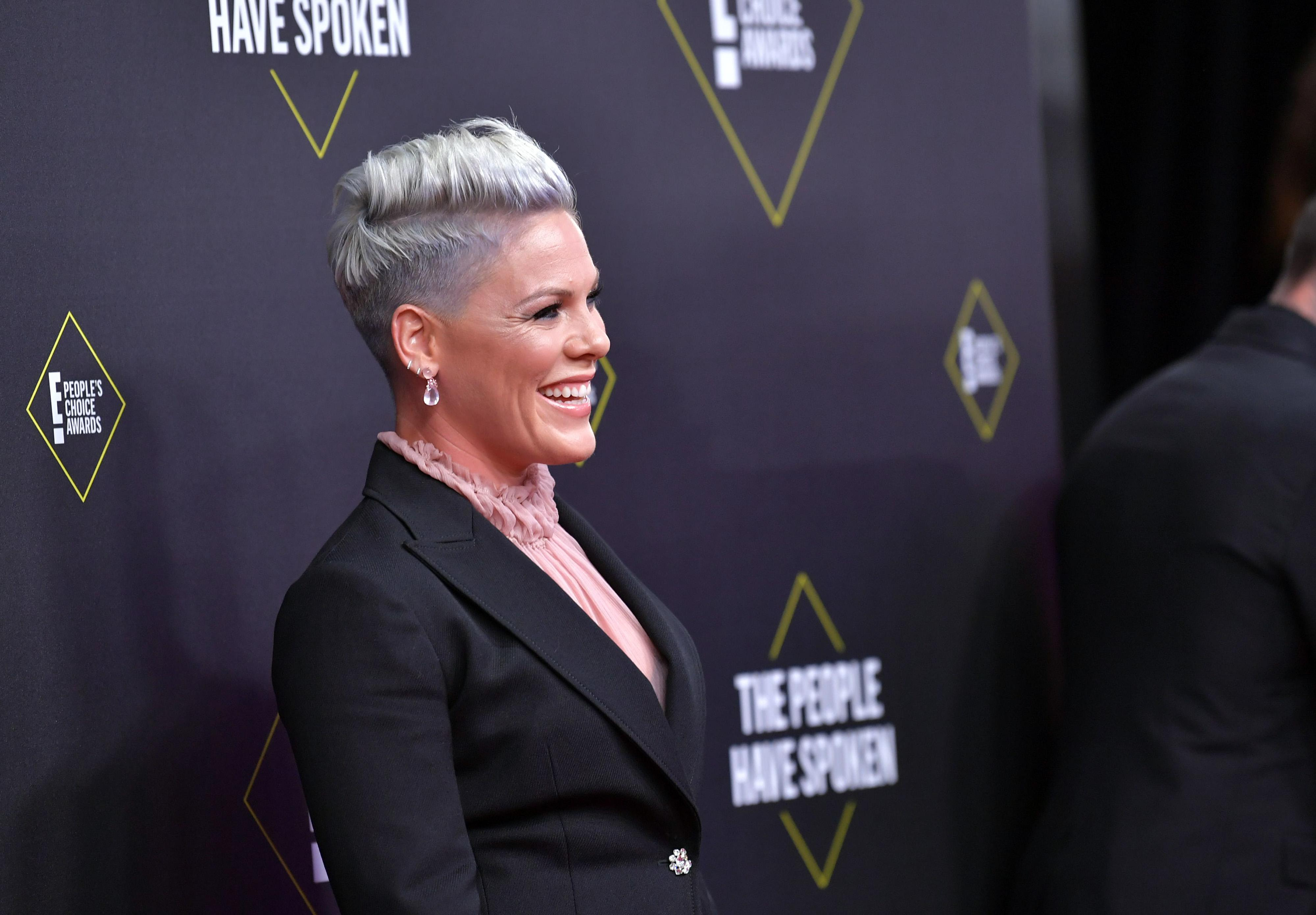 Pink says she recovered from the coronavirus, donates 1 million to healthcare - Yahoo Entertainment