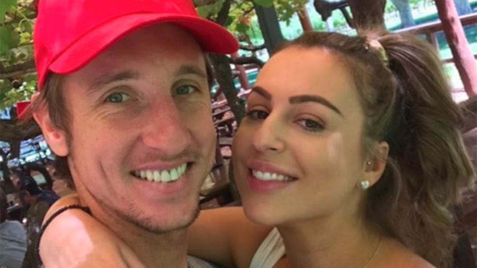 'A magical relationship?': Messy mixed messages as MAFS bride confirms split - Yahoo Lifestyle Australia