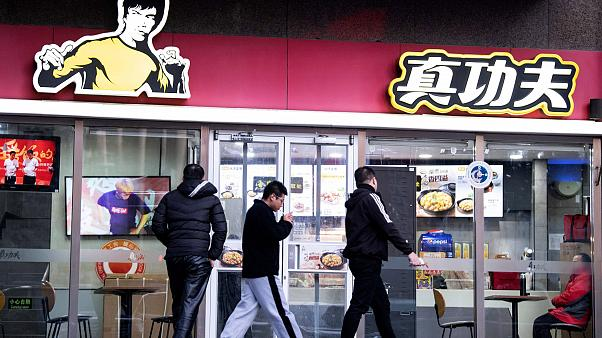 Bruce Lee's daughter sues Chinese fast food chain for using his image - Euronews