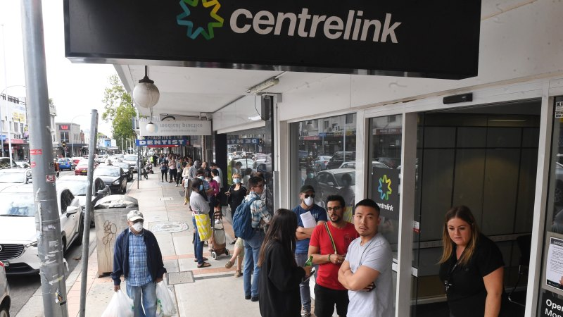 Huge queues at Centrelink offices after website crashes - Sydney Morning Herald