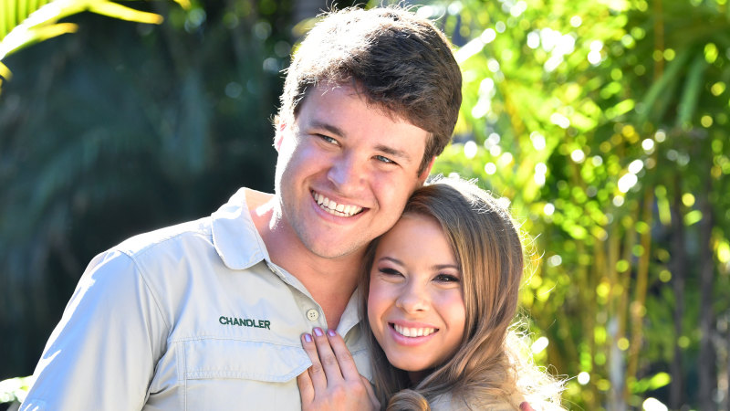 'Love wins': Bindi Irwin marries in ceremony with no guests due to virus - Sydney Morning Herald