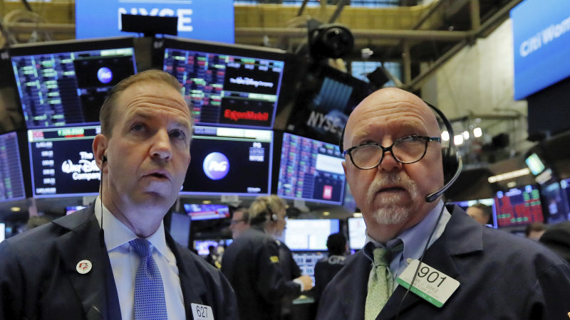 Wall Street rally fizzles out as oil plunges - Sydney Morning Herald
