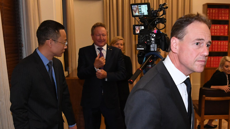 Greg Hunt blindsided as Chinese consul-general crashes press conference - Sydney Morning Herald