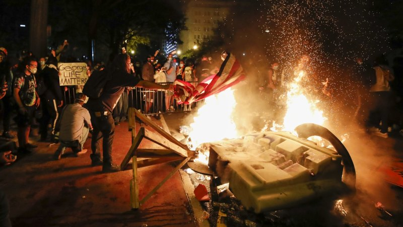 'This is our Arab Spring': Fires outside the White House as nation rages - Sydney Morning Herald