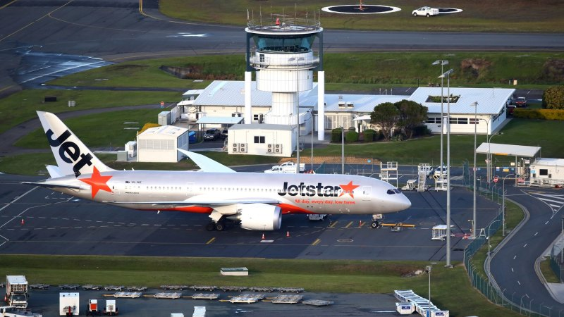 Gold Coast airport closes due to COVID-19 - Sydney Morning Herald
