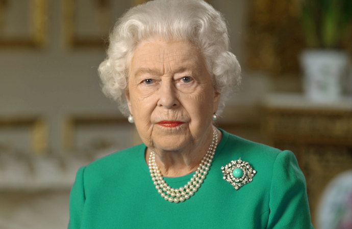 Queen cancels birthday celebrations as COVID-19 sweeps through UK - Sydney Morning Herald
