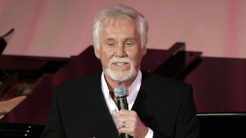 Country music singer Kenny Rogers dead at 81 - Sydney Morning Herald