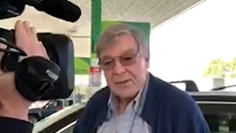 At a servo on the road to Sydney, Pell says he's 'very pleased' to be free - Sydney Morning Herald