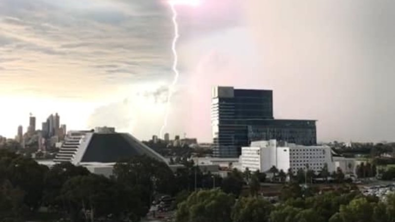 Perth mops up after hail, heavy rainfall hits the city in peak hour - WAtoday