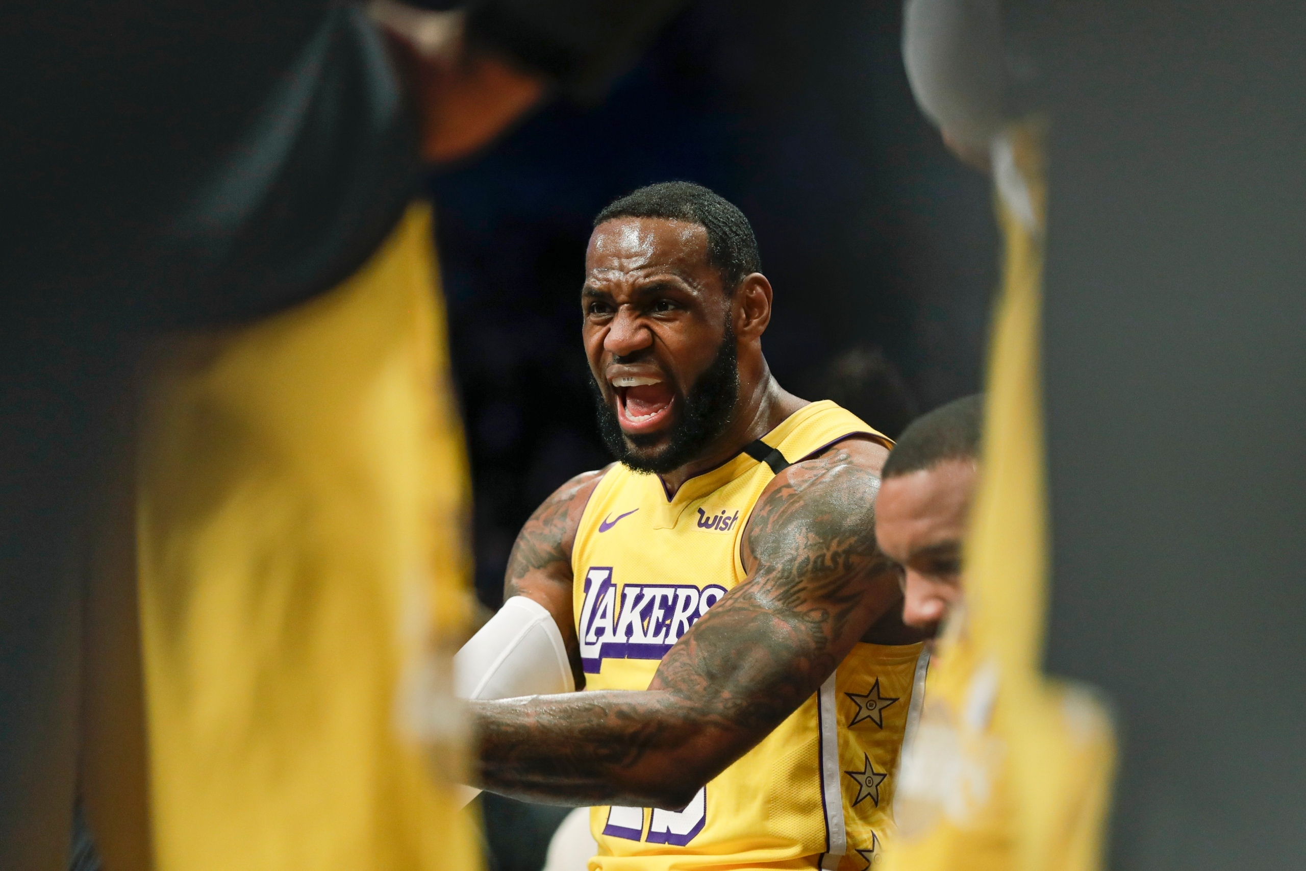 LeBron has triple-double, Lakers pull away to beat Nets - CBS17.com