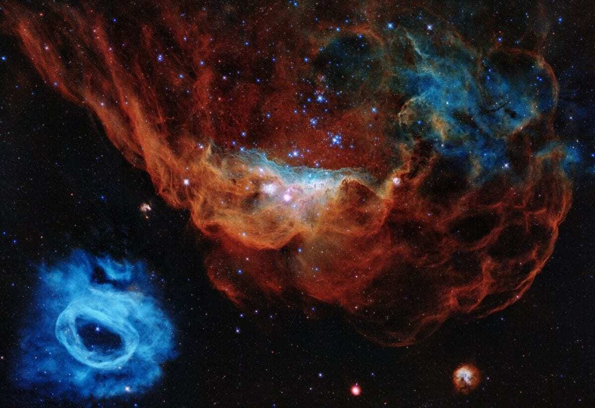 Hubble celebrates its 30th anniversary with a tapestry of blazing starbirth - HeritageDaily
